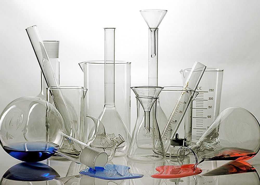 Лабораторная посуда, реактивы и оборудование